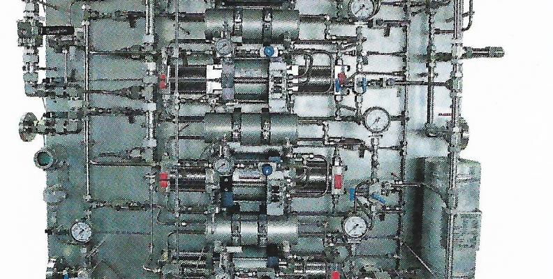 ¿Cuáles son los componentes básicos de un banco de pruebas hidrostáticas?