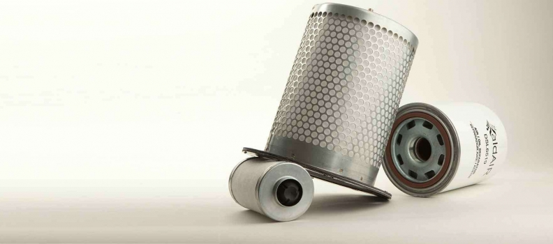 ¿Cuáles son los componentes básicos de los filtros de línea?